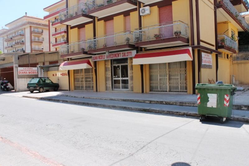 Locale commerciale ragusa noidue immobiliare - Ragusa immobiliare ...